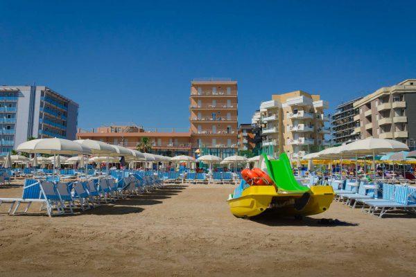 bagni-gilberto-spiaggia-pesaro